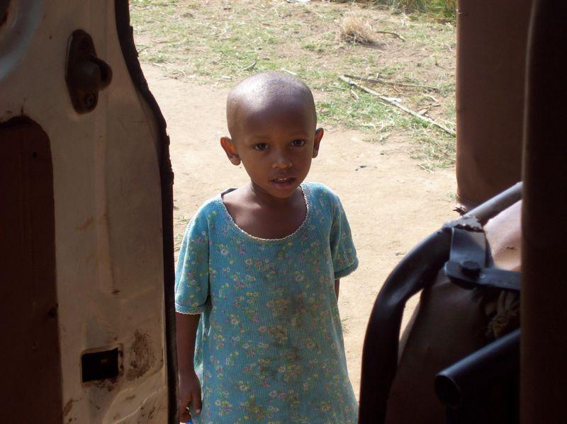 Little_girl_burundi