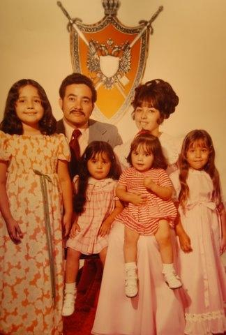 Velez_family_pic_1973