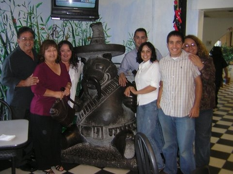 Fam_with_chino_2